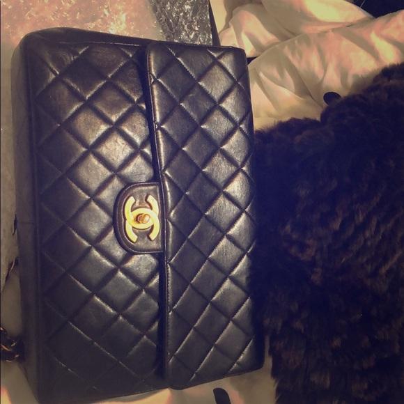 CHANEL Handbags - Chanel timeless bag. Amazing